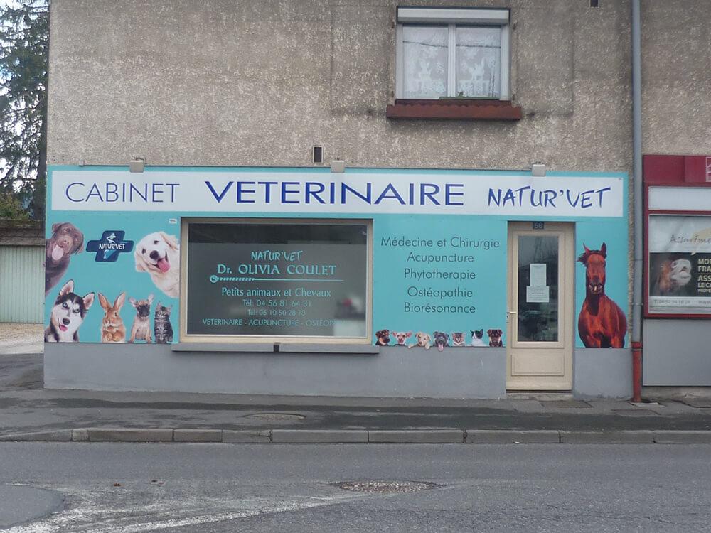 Réalisation d'une décoration de façade en panneau alu «Dibond»  pour un vétérinaire