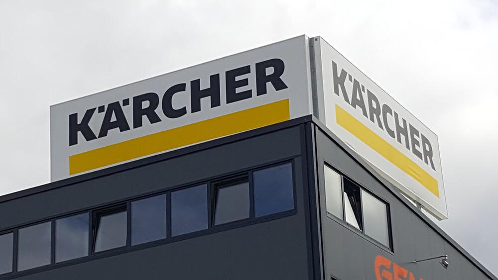 Création & installation de caissons lumineux pour Karcher